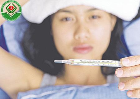 Triệu chứng sốt cao khi bị viêm nội mạc tử cung