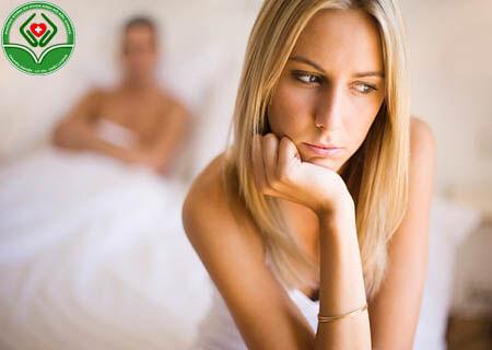 Viêm lộ tuyến gây chảy máu khi quan hệ