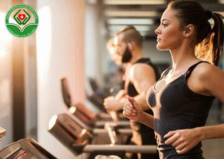 Bị trĩ có tập gym được không