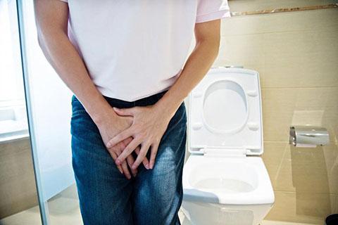Buồn tiểu khi quan hệ ở nam giới là do đâu?
