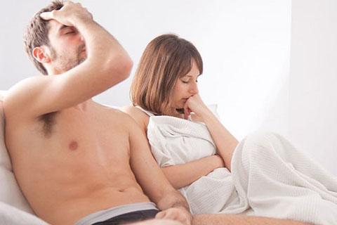 Đi tiểu buốt sau khi quan hệ ở nữ giới là bị sao?