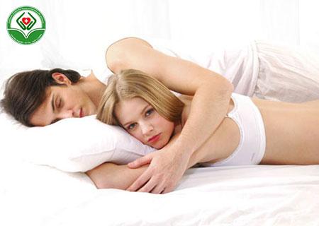 Sùi mào gà kiêng quan hệ bao lâu?