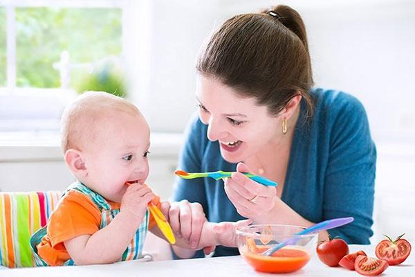 Khi nào cha mẹ nên bổ sung vitamin cho trẻ